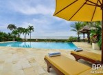 luxery-beachfront-villa-02