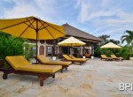 luxery-beachfront-villa-03