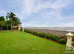 luxery-beachfront-villa-04