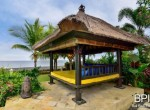 luxery-beachfront-villa-05
