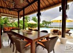 luxery-beachfront-villa-08