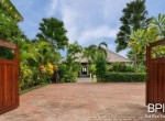 luxery-beachfront-villa-09
