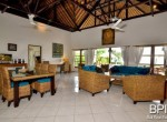 luxery-beachfront-villa-11