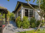 sanur-rustic-villa-for-sale-with-large-garden-01