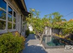 sanur-rustic-villa-for-sale-with-large-garden-03