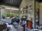 sanur-rustic-villa-for-sale-with-large-garden-04