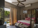 sanur-rustic-villa-for-sale-with-large-garden-06