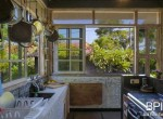sanur-rustic-villa-for-sale-with-large-garden-08