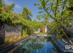 sanur-rustic-villa-for-sale-with-large-garden-09