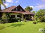 spacious-freehold-villa-with-large-land-1