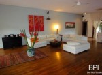 spacious-freehold-villa-with-large-land-12