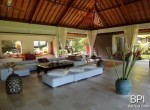 spacious-freehold-villa-with-large-land-16