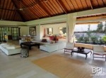 spacious-freehold-villa-with-large-land-18