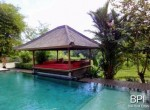 spacious-freehold-villa-with-large-land-19