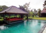 spacious-freehold-villa-with-large-land-20