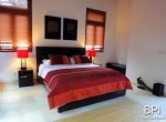 spacious-freehold-villa-with-large-land-6