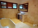 spacious-freehold-villa-with-large-land-9