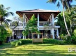 the-only-absolute-beachfront-villa-in-central-lovina-1