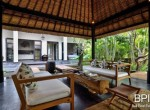 the-only-absolute-beachfront-villa-in-central-lovina-13