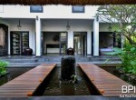 the-only-absolute-beachfront-villa-in-central-lovina-4
