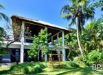 the-only-absolute-beachfront-villa-in-central-lovina-5