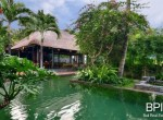 the-only-absolute-beachfront-villa-in-central-lovina-6
