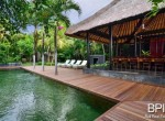 the-only-absolute-beachfront-villa-in-central-lovina-7