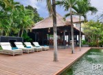 the-only-absolute-beachfront-villa-in-central-lovina-8