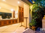 villa-in-the-heart-of-seminyak-with-paddy-view-15