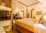 villa-in-the-heart-of-seminyak-with-paddy-view-19