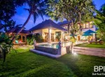 villa-in-the-heart-of-seminyak-with-paddy-view-24