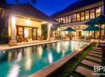 villa-in-the-heart-of-seminyak-with-paddy-view-25