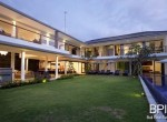 villa-on-walking-distance-from-the-beach-1