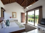 villa-on-walking-distance-from-the-beach-14