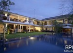 villa-on-walking-distance-from-the-beach-26