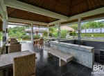villa-with-restaurant-and-guesthouses-13