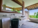 villa-with-restaurant-and-guesthouses-18