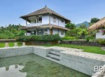 villa-with-restaurant-and-guesthouses-2