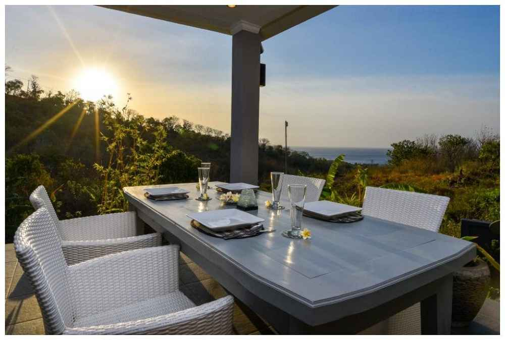Coco Rental Villa Sunset Dining