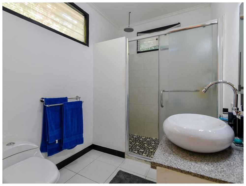 Villa Anggrek Rental Bathroom One