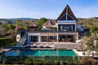 Luxurious Villa With 180 Degree Views