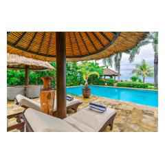 Sunbeds Terrace - Bali Villa Building and Development - Palm Living Bali
