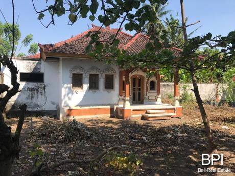 Balinese style beachfront house for sale - Bali Real ...