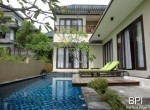 large-residential-villa-with-views-12