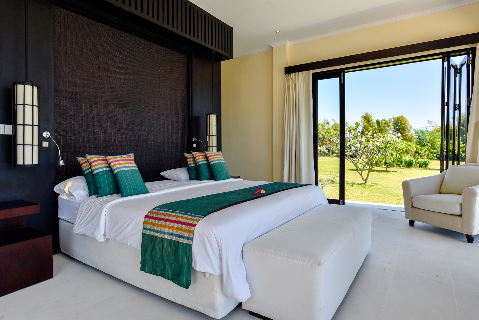 Palm-Living-large-luxury-villa-Penyabangan20