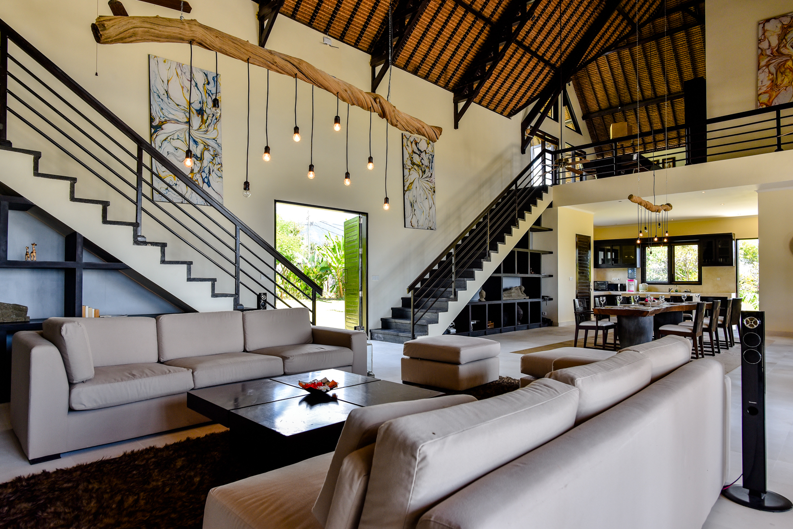 Palm-Living-large-luxury-villa-Penyabangan12