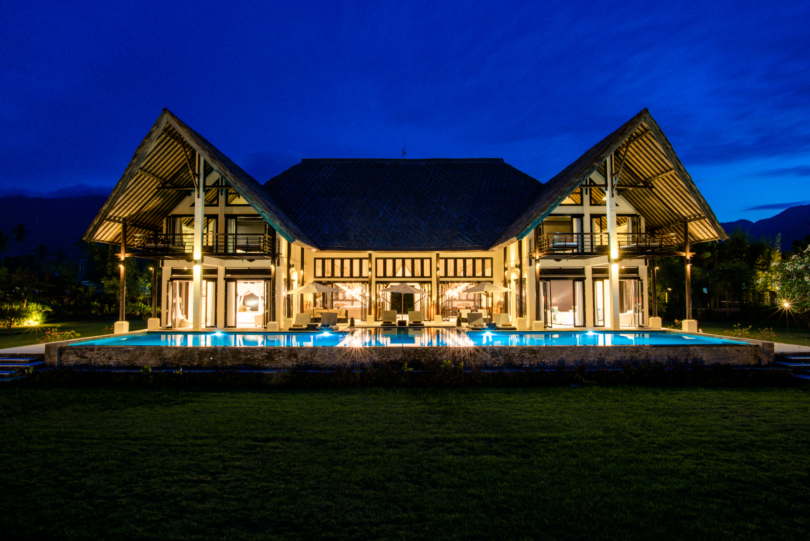 Palm-Living-large-luxury-villa-Penyabangan3