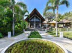 Palm Living-Three Bedrooms Beachfront Villa-Lokapaksa-1