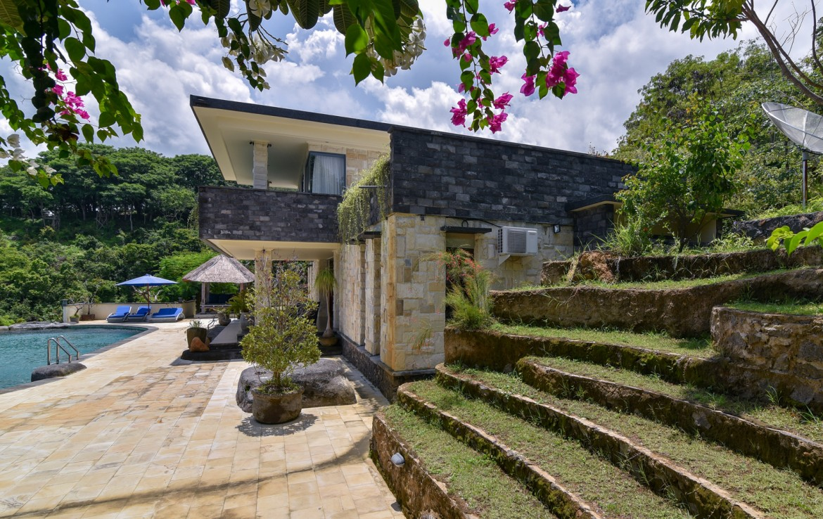 Stunning Hillside Villa with waterfall - Bali Real Estate by BPI